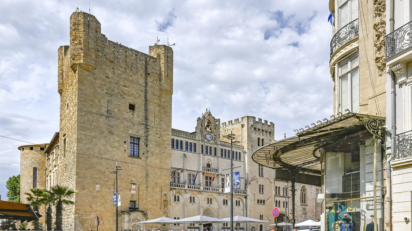 Der Rathausplatz von Narbonne. Foto: Hilke Maunder