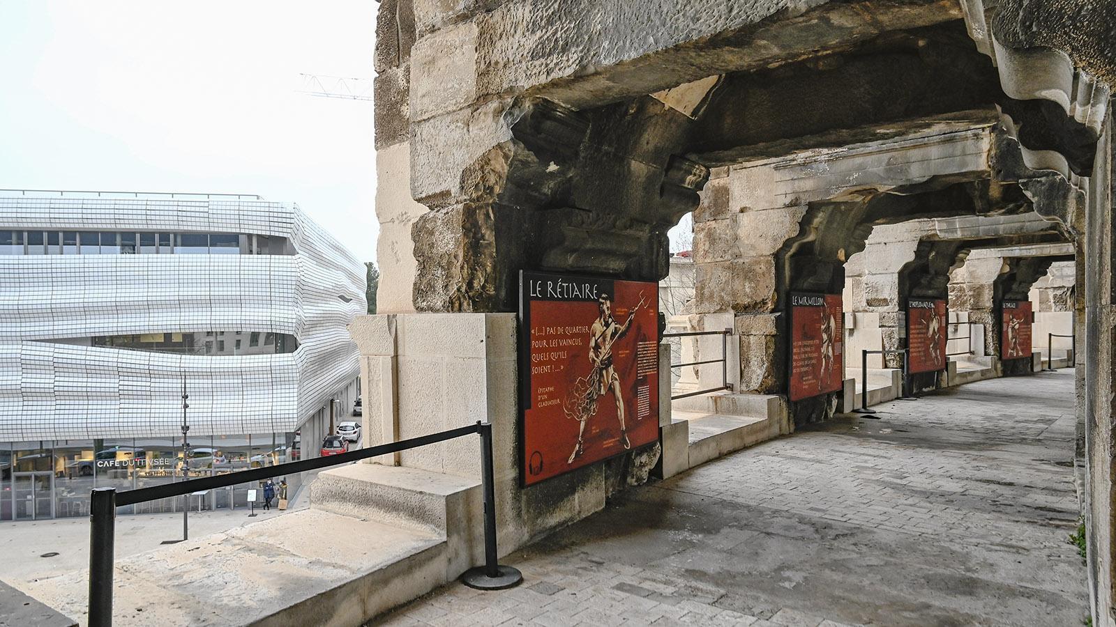 Nîmes. Spannend ist auch der Blick von den Arenen auf das Museum. Foto: Hilke Maunder
