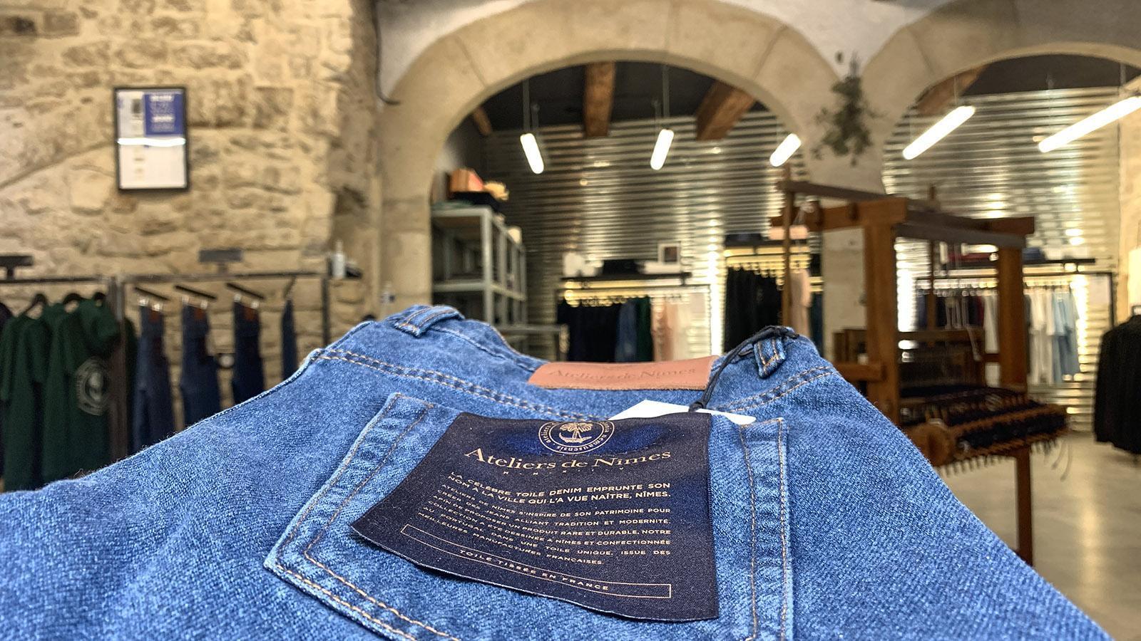 Nîmes: Dort, wo ihr Stoff erfunden wurde, werden sie bis heute hergestellt: Jeans. Foto: Hilke Mander