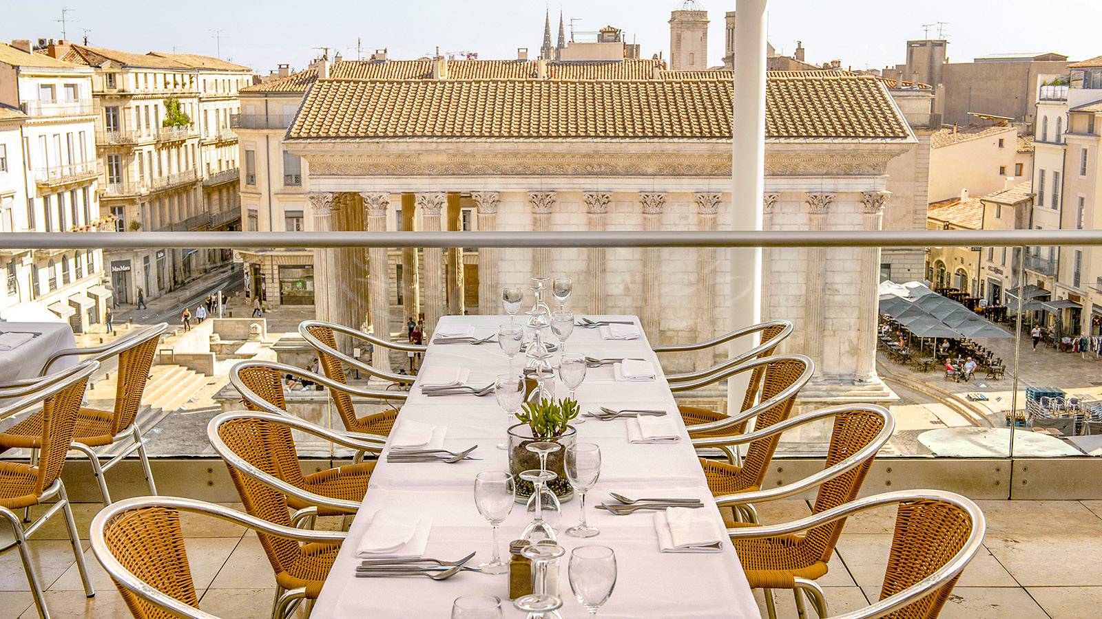 Ciel de Nîmes: Genuss mit Aussicht im Carré d#Art. Foto:. Hilke Maunder