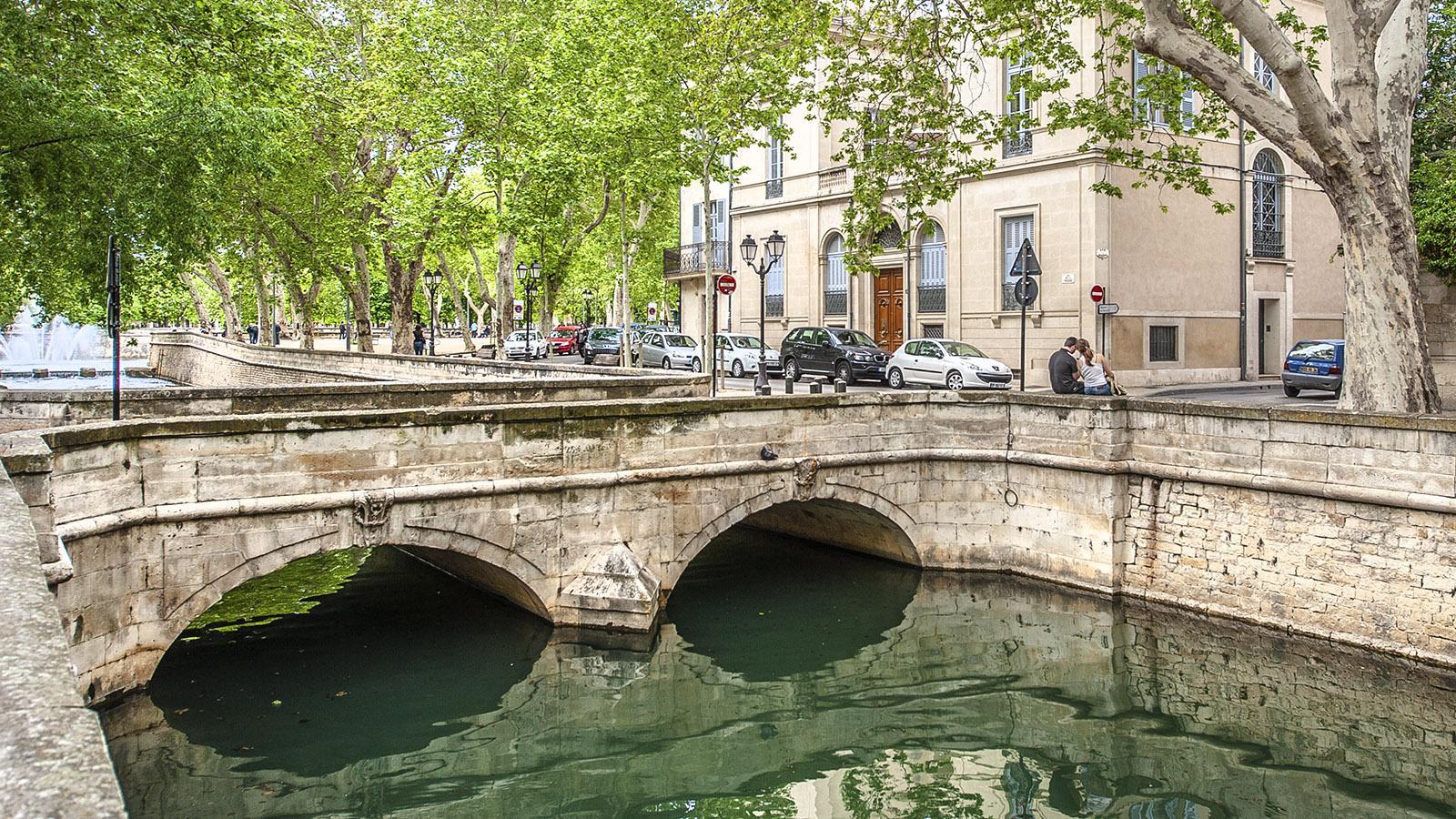 Nîmes: Quai de la Fontaine