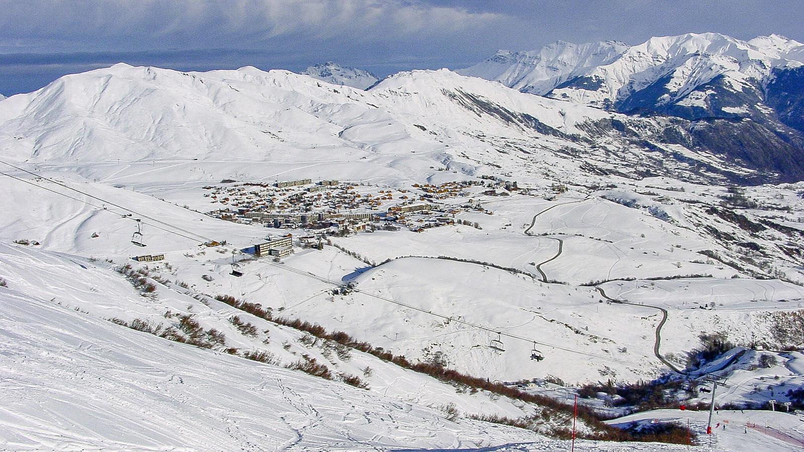 Les Sybelles: Talblick auf La Toussuire. Foto: Hilke Maunder