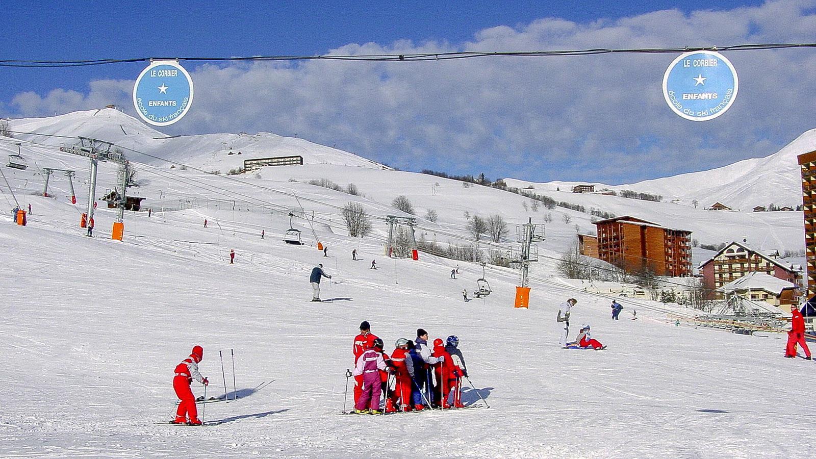Les Sybelles: Le Corbier: Einteilungen für die Skischulklassen. Foto: Hilke Maunder