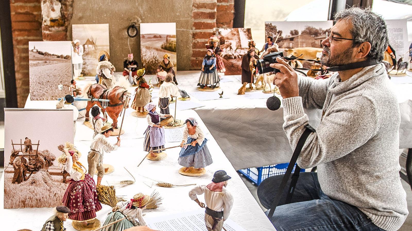 Paul Bioulez zeigt seine Santons das ganze Jahr hindurch auf Ausstellungen. Foto: Hilke Maunder