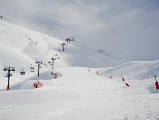 Tiefschnee oder Piste: Lifte im Skigroßraum Tourmalet bei Barèges. Foto: Hilke Maunder