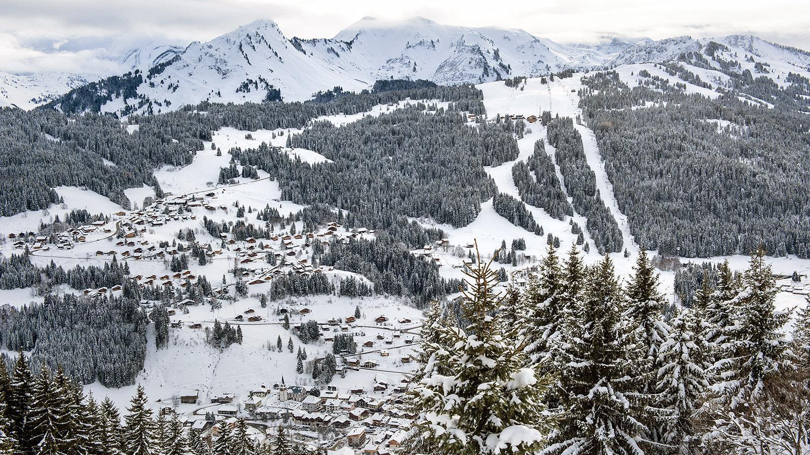 Blick auf Les Gets vom Mont Chéry. Foto: Hilke Maunder
