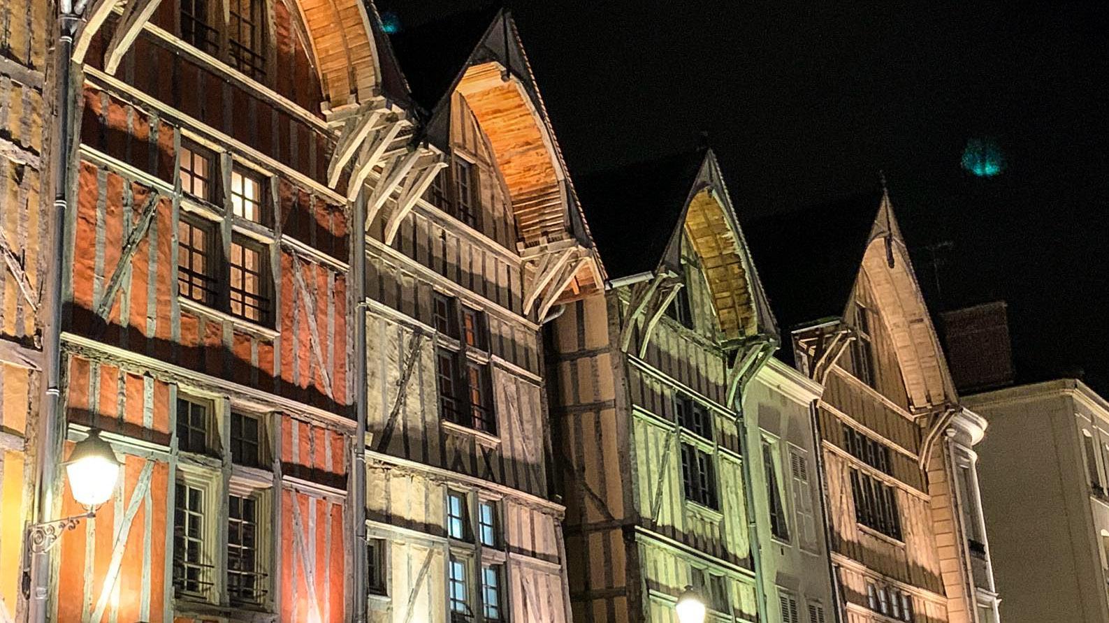 Troyes bei Nacht: richtig romantisch! Foto: Hilke Maunder