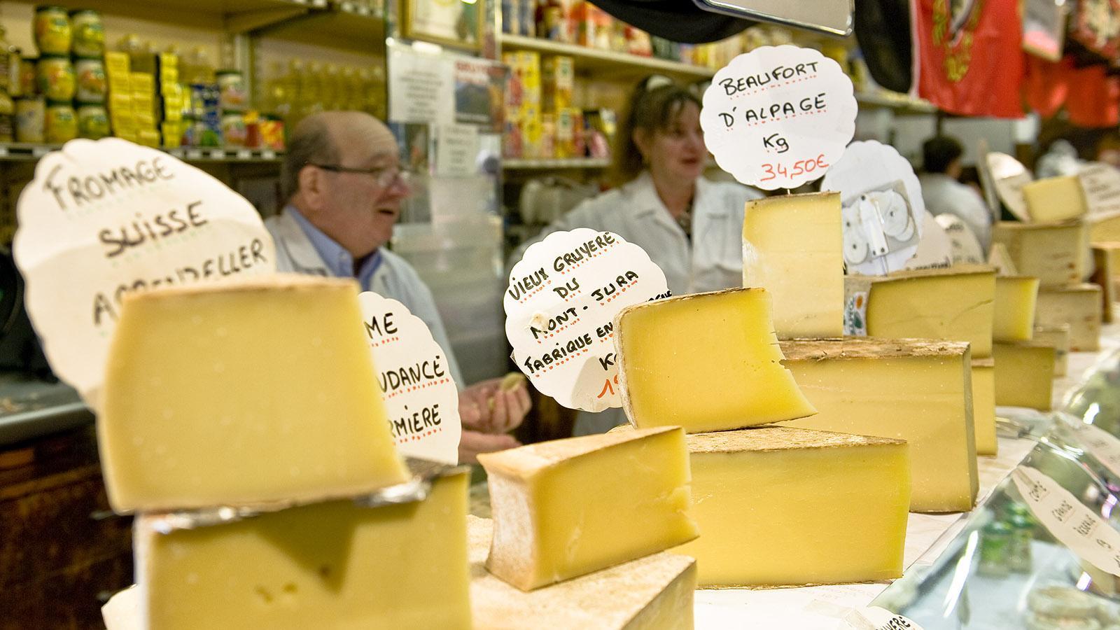 Toulouse: Die Käseauswahl in der Markthalle Victor Hugo. Foto: Hilke Maunder