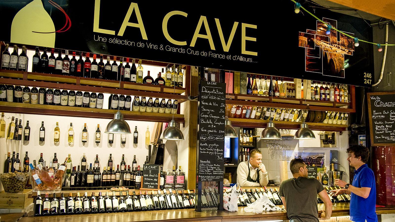 Toulouse: Gut sortiert: ein Weinhändler der Marché Victor Hugo. Foto: Hilke Maunder