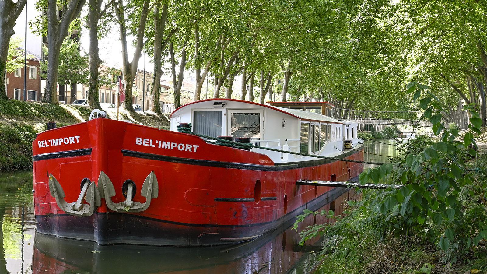 Toulouse: Hausboot am Canal de Brienne. Foto: Hilke Maunder