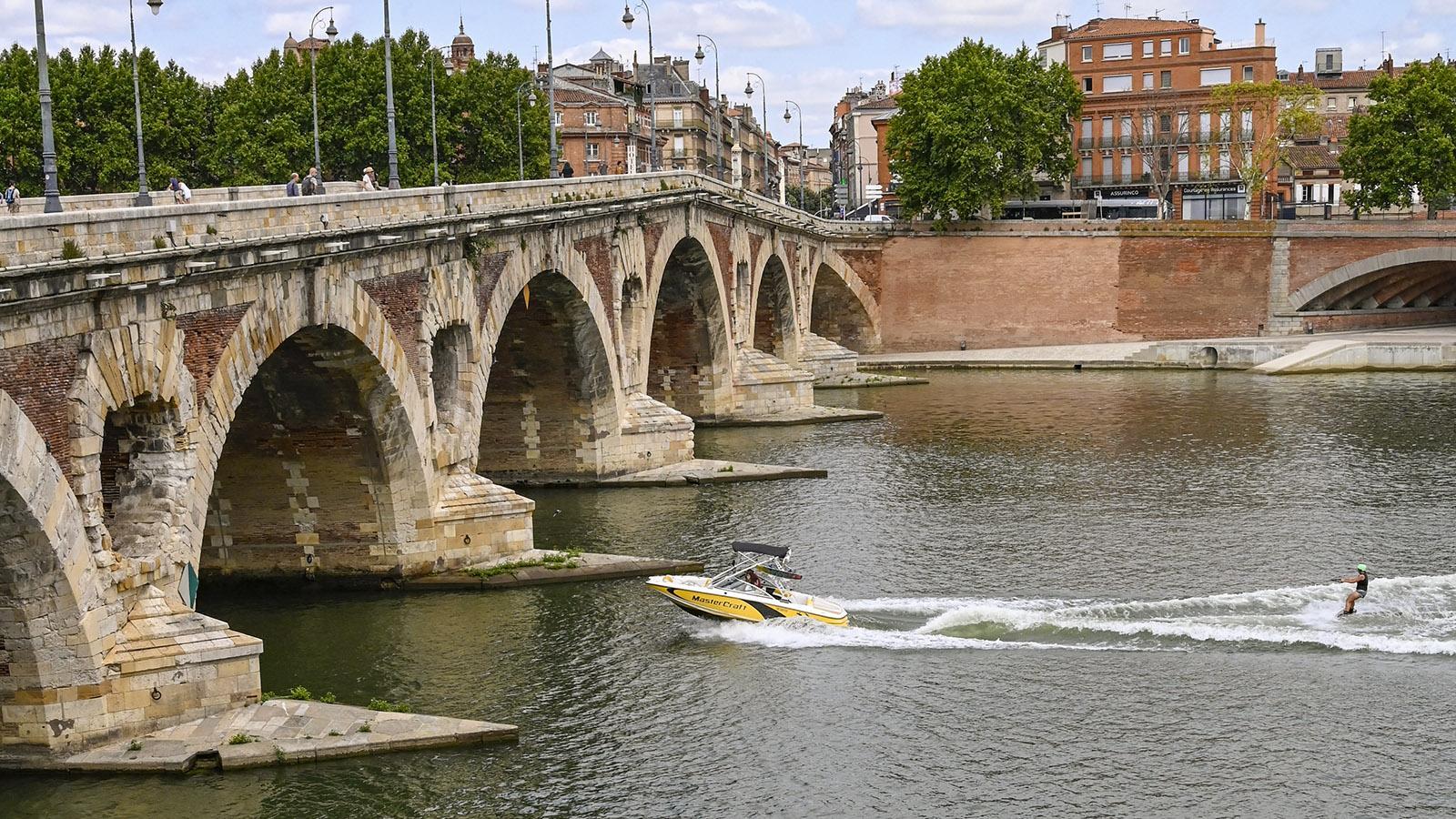 Toulouse: Wasserski auf der Garonne. Foto: Hilke Maunder