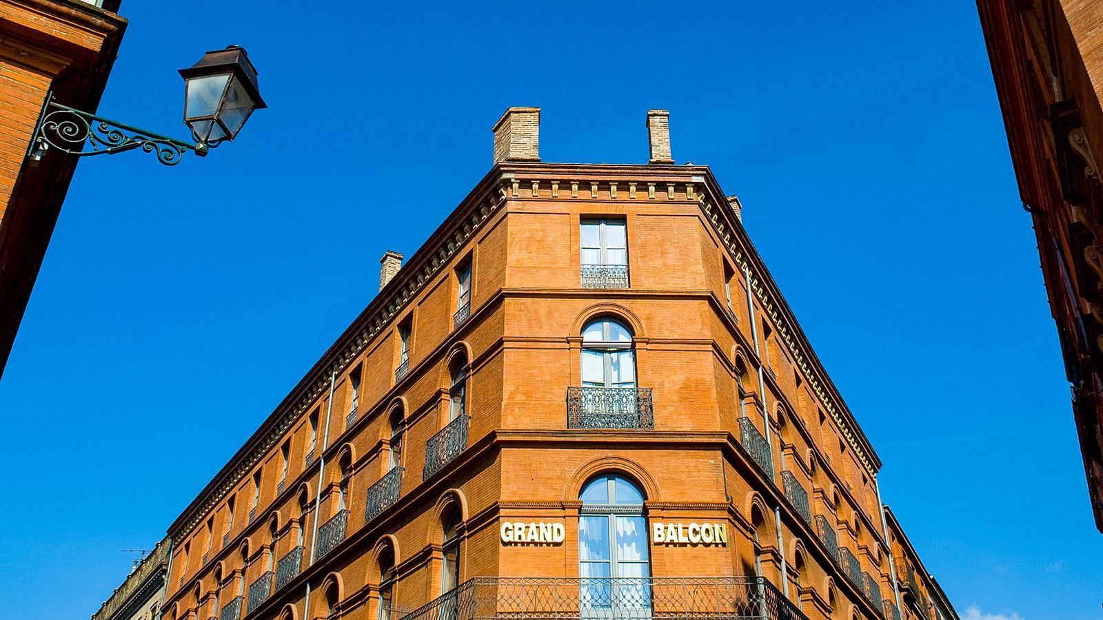 Toulouse: Im Hôtel Grand Balcon schliefen die frühen Luftpostflieger - auch Antoine de Saint-Exupéry, der Autor der kleinen Prinzen. Foto: Hilke Maunder