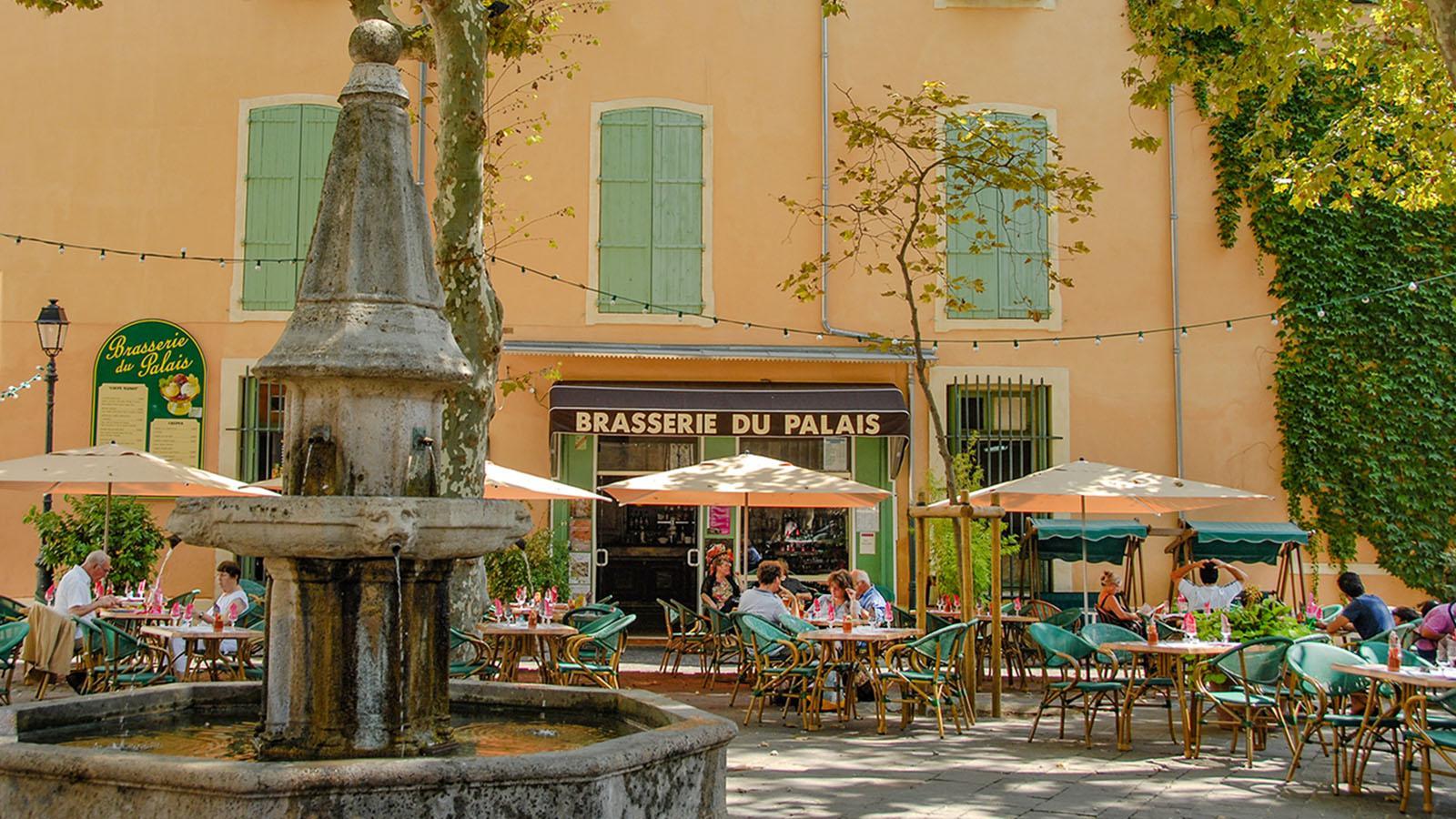 Béziers: die Brasserie du Palais bei der Kathedrale. Foto: Hilke Maunder