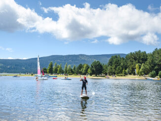 Capcir: Auch Stand-Up-Paddling könnt ihr auf dem Lac de Matemale machen! Foto: Hilke Maunder