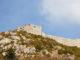 Die Katharerburg Montségur thront hoch auf einem Karstkegel. Foto: Hilke Maunder