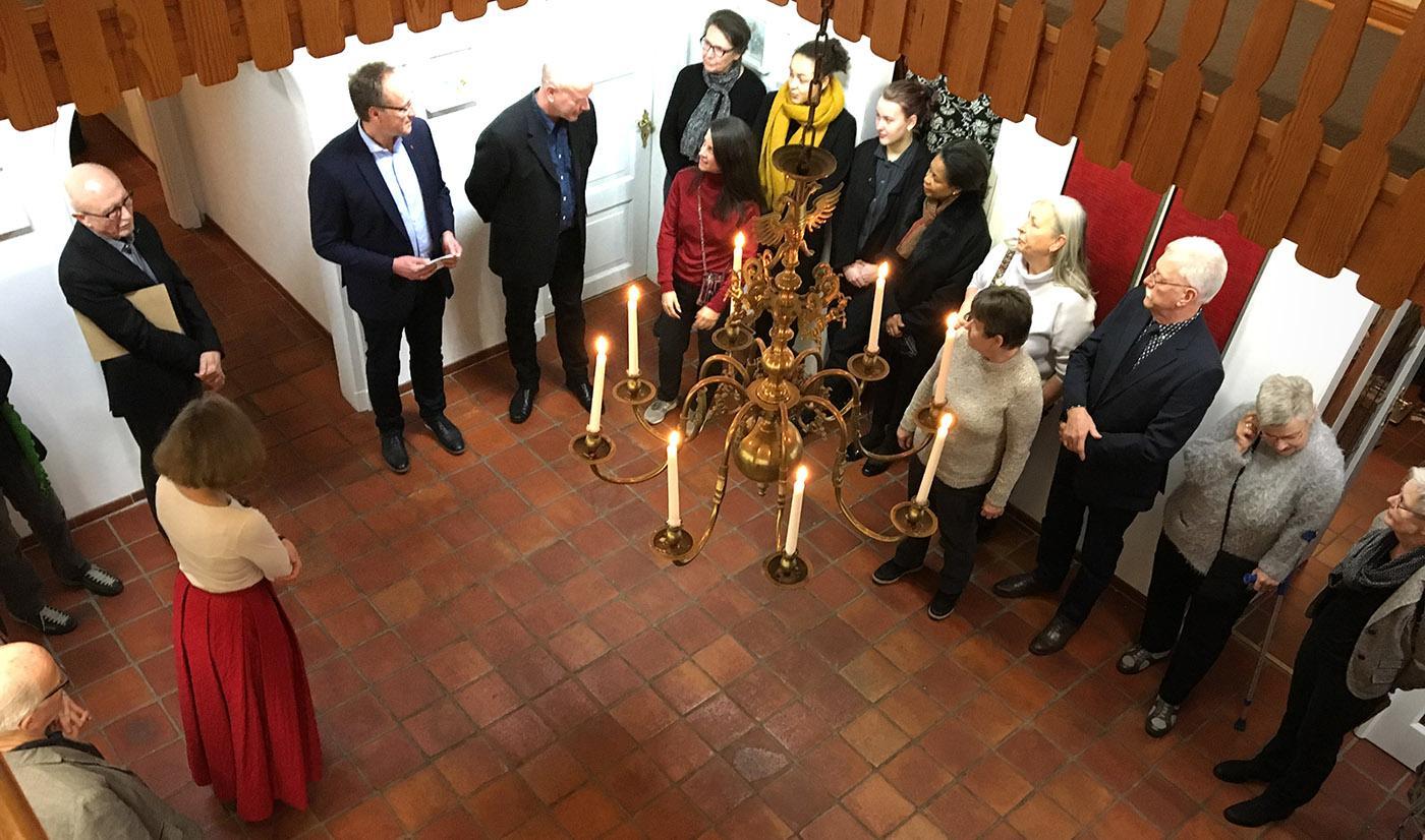 Vernissage in der Werkstattgalerie von Anders Petersen in Elmshorn beim Festival Arabasques. Mitz dabei: Françoise Vadon. Foto: Hilke Maunder