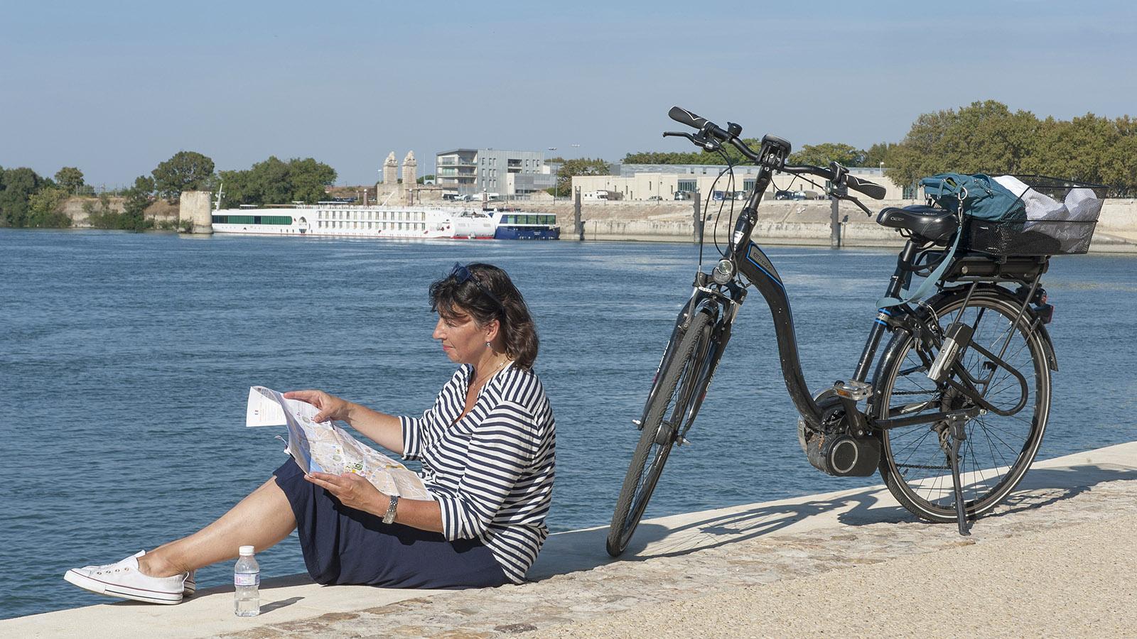 Arles: am Rhôneufer verlauft der Radwanderweg ViaRhôna. Foto: Hilke Maunder