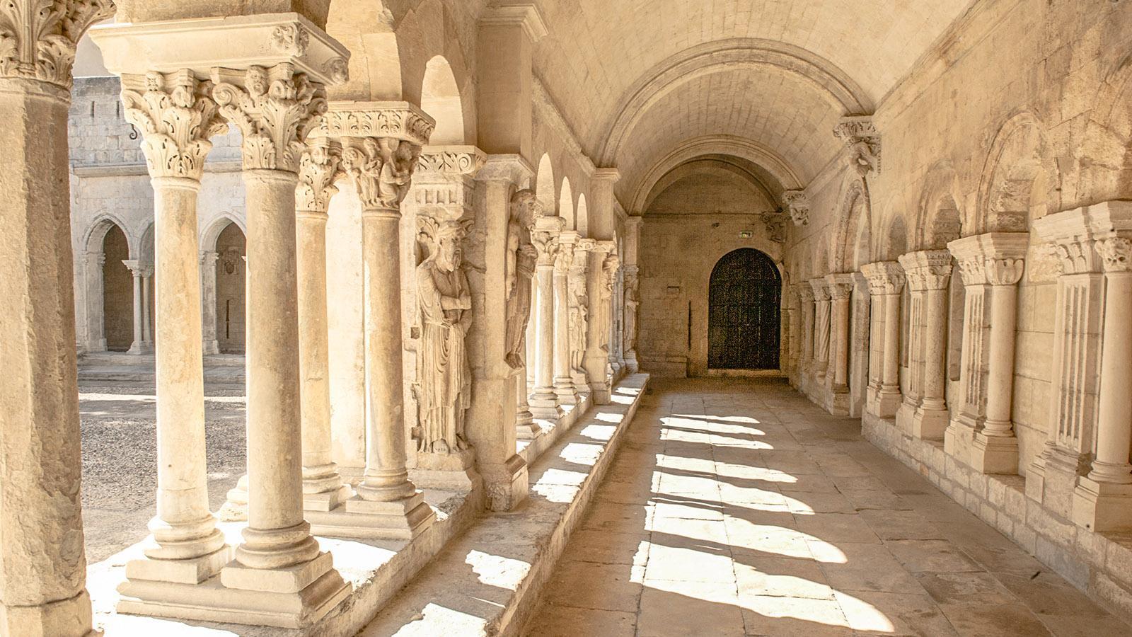 Arles: der Kreuzgang von Saint-Trophime. Foto: Hilke Maunder