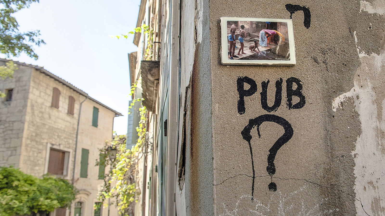 Arles: Street Art in der Altstadt. Foto: Hilke Maunder