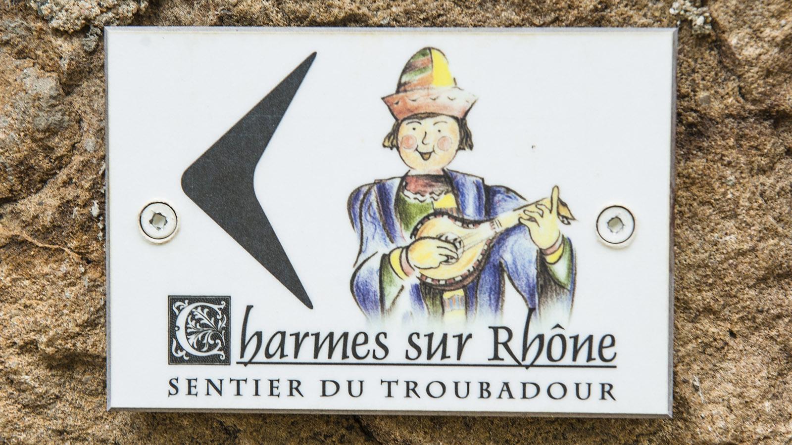 ViaRhôna: So ist der Sentier du Troubadour in Charmes-sur-Rhône markiert. Foto: Hilke Maunder