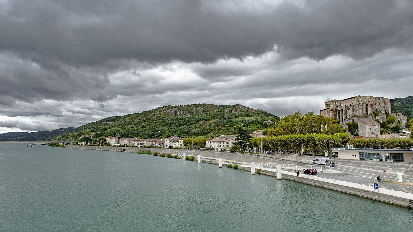 ViaRhôna: Blick von der Rhônebrücke auf La Voulte-sur-Rhône. Foto: Hilke Maunder