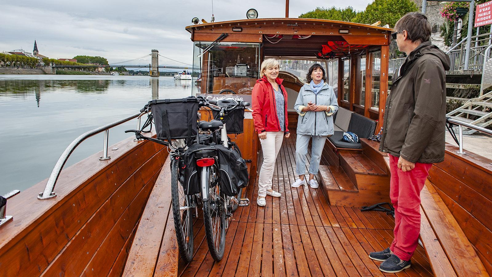 Boat & Bike: Veronique und Bernhard mit einem Gast. Foto: Hilke Maunder