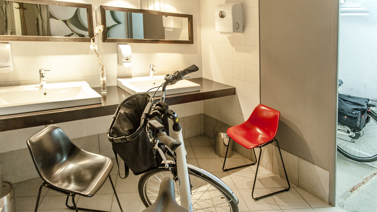 Valence: Fahrradkeller für Einzelgäste des Hôtel Les Négociants. Foto: Hilke Maunder