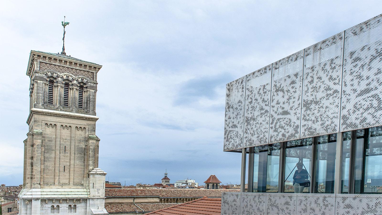 Valence Auf Augenhöhe mit dem Kathdralturm: der Ausblick vom Belvedere des Museums. Foto: Hilke Maunder