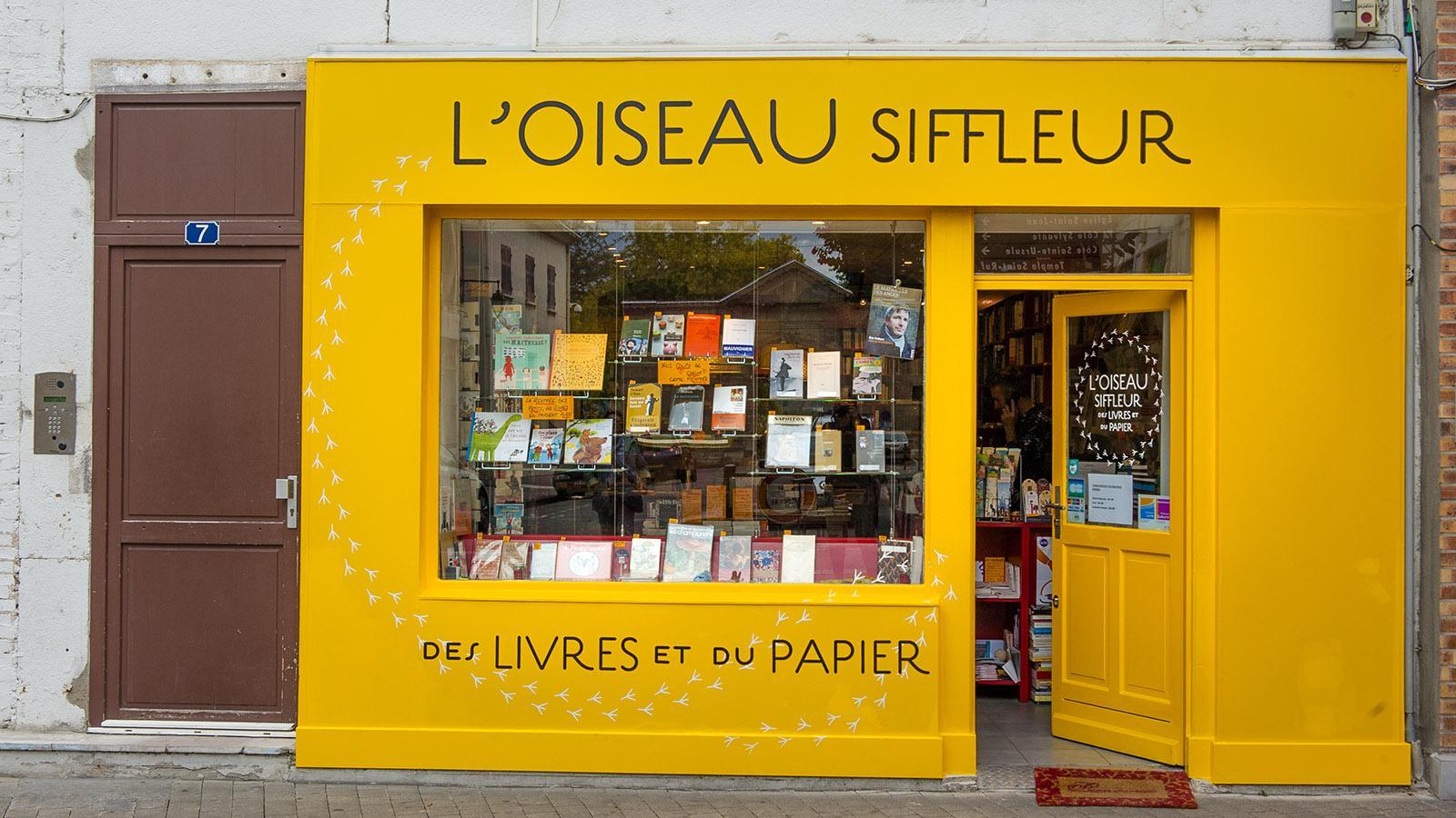 Valence: Bei L'Oiseau Siffleur findet ihr ausgesuchte Bücher und Papierwaren. Foto: HiIlke Maunder