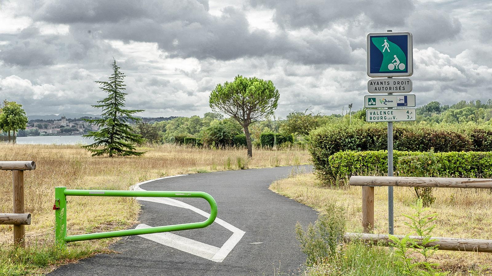 Die ViaRhôna bei Bourg-lès-Valence. Foto: Hilke Maunder