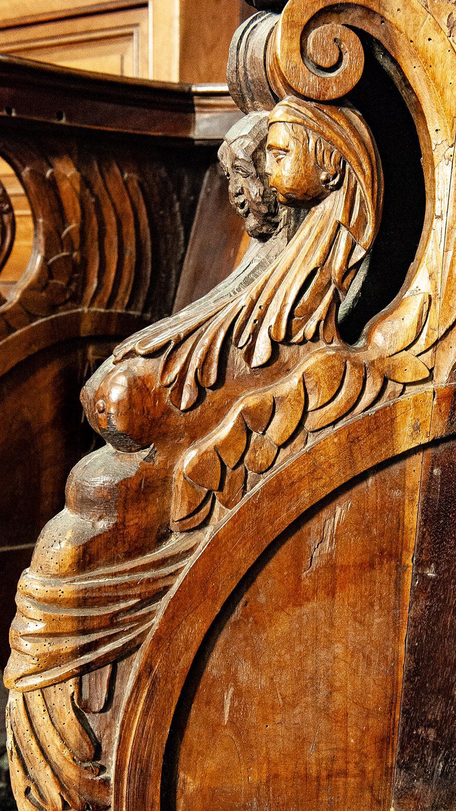 Sinnlich: das Chorgestühl der Kathedrale von Viviers. Foto: Hilke Maunder