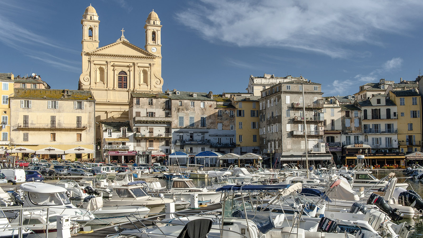 Blick auf die Terra Vecchia von Bastia mit dem alten Hafen. Foto: Hilke Maunder