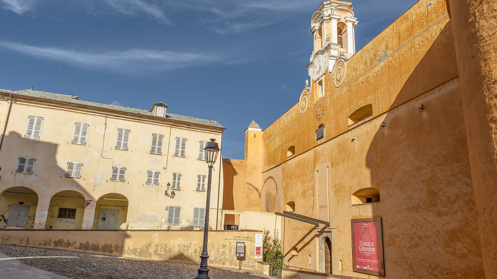Bastia: Der Gouverneurspalast der Zitadelle birgt heute das Stadtmuseum. Foto: Hilke Maunder
