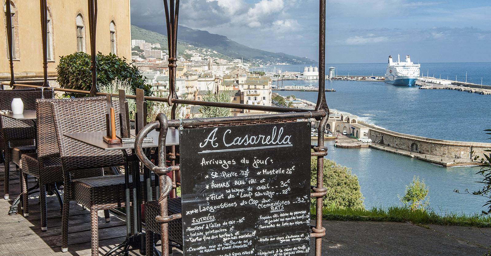 Bastia: Meeresküche mit Aussicht: A Cassarella. Foto: Hilke Maunder