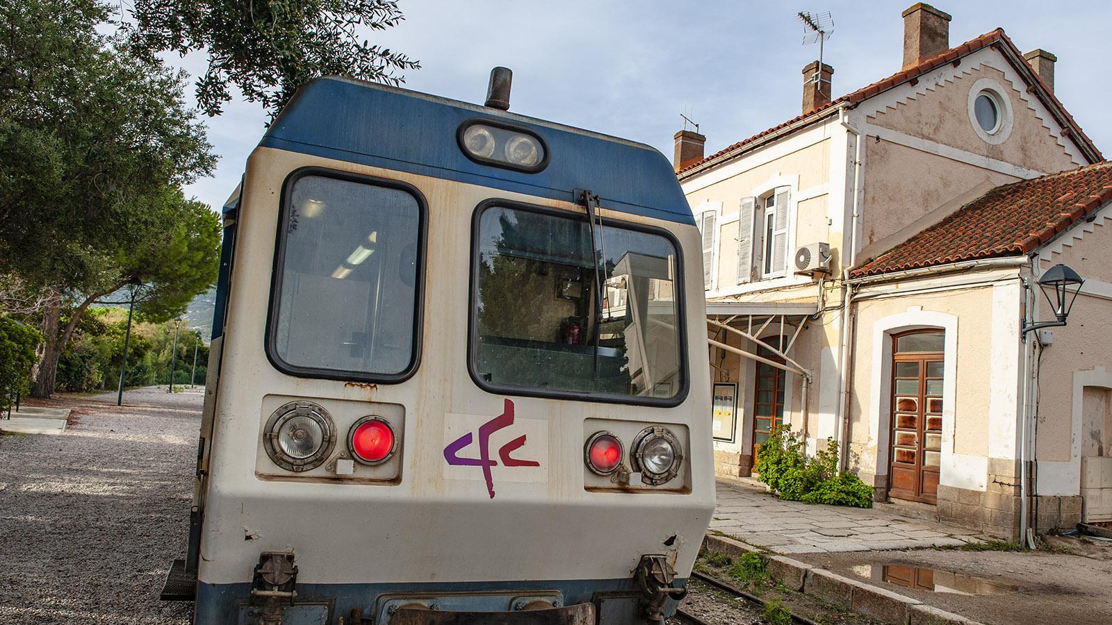 Trinighellu: Der Bahnhof von Calvi. Foto: Hilke Maunder