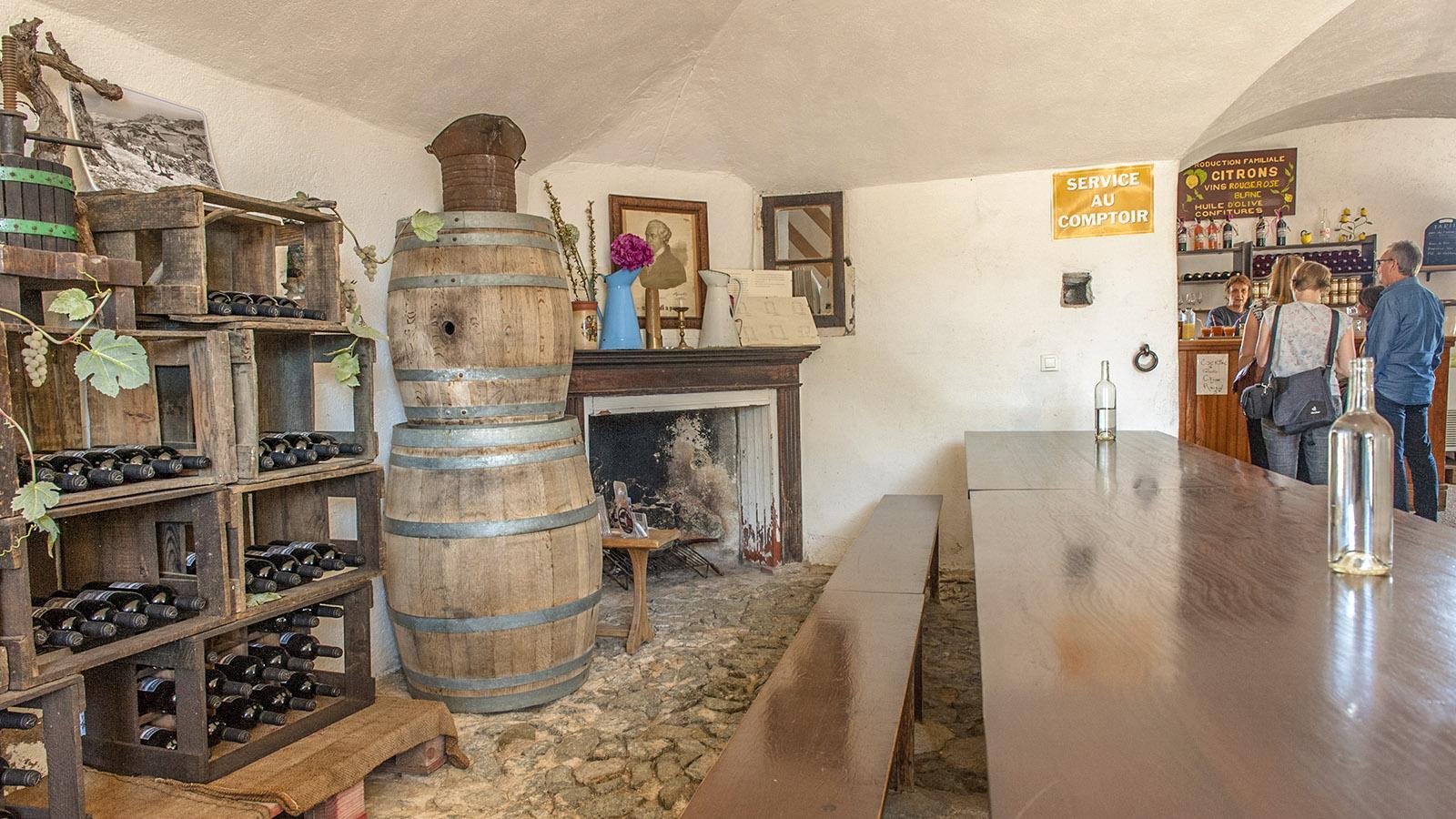 Sant'Antonino: die Ladenschänke des Clos Antonini.. Foto: Hilke Maunder