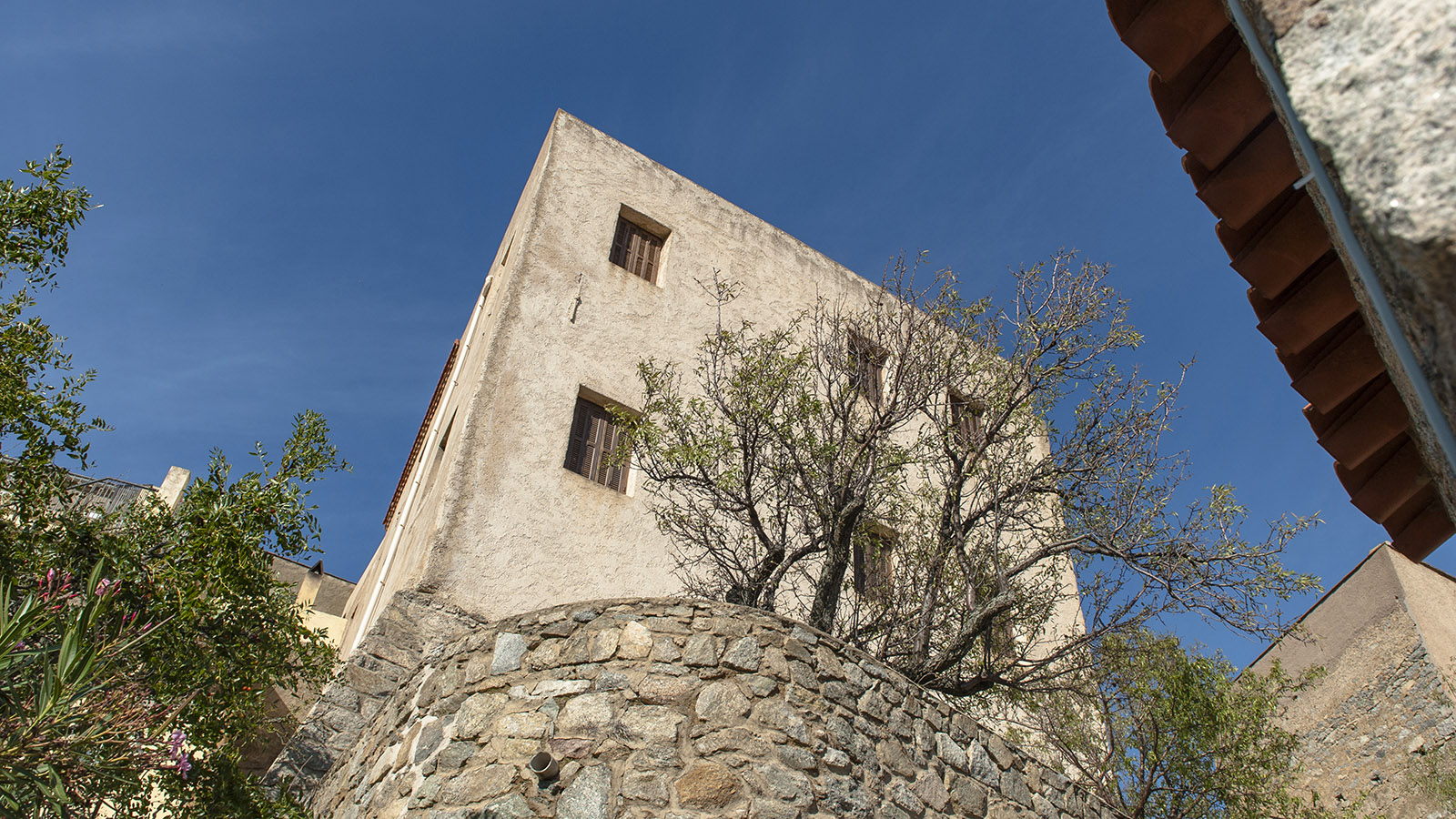 Sant'Antonino: im alten Ortskern. Foto: Hilke Maunder