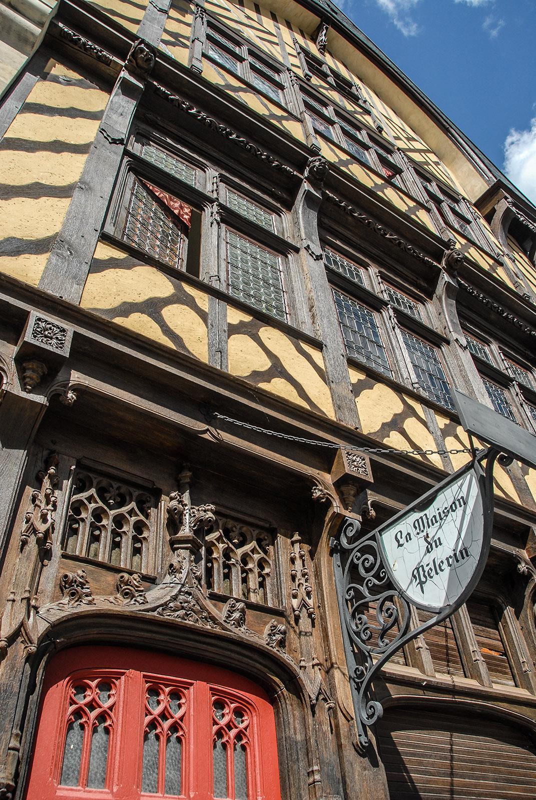 La Maison du Pélerin am Kathedralplatz. Foto: Hilke Maunder