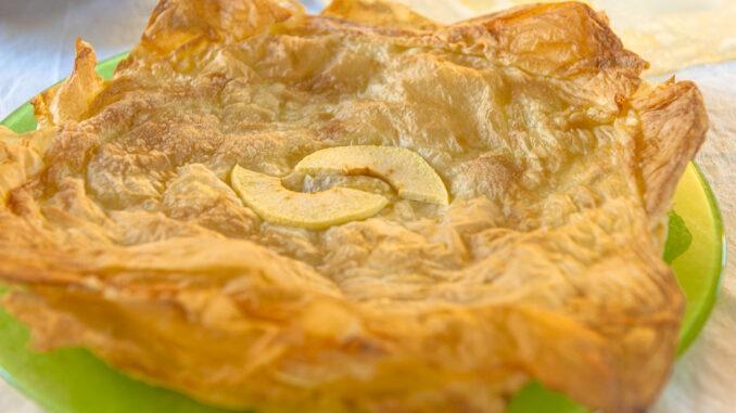 Knusprig, zart und fruchtig: die Croustade aus dem Gers. Foto: Hilke Maunder