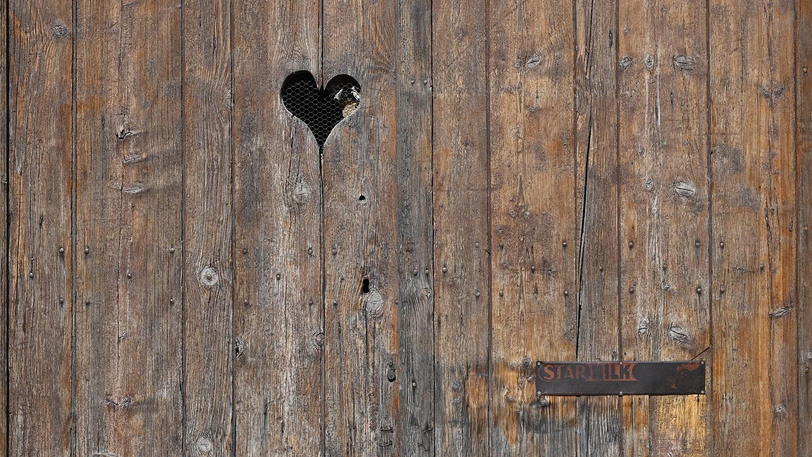 Giroussens: Briefkasten mit Herz - gesehen im Herzen der Bastide. Foto: Hilke Maunder