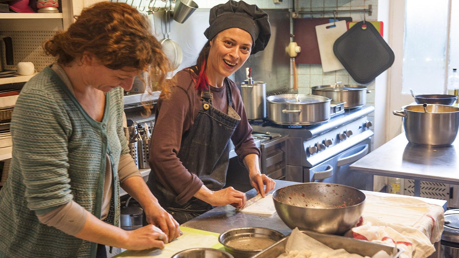 Simorre: Alles, was aus der Küche kommt, stammt von lokalen Produzenten und wird frisch zubereitet. Foto: Hilke Maunder