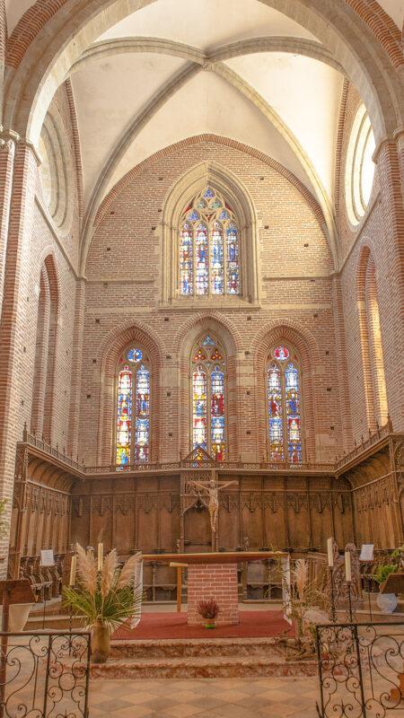 Das Kirchenschiff der Pfarrkirche von Simorre. Foto: Hilke Maunder