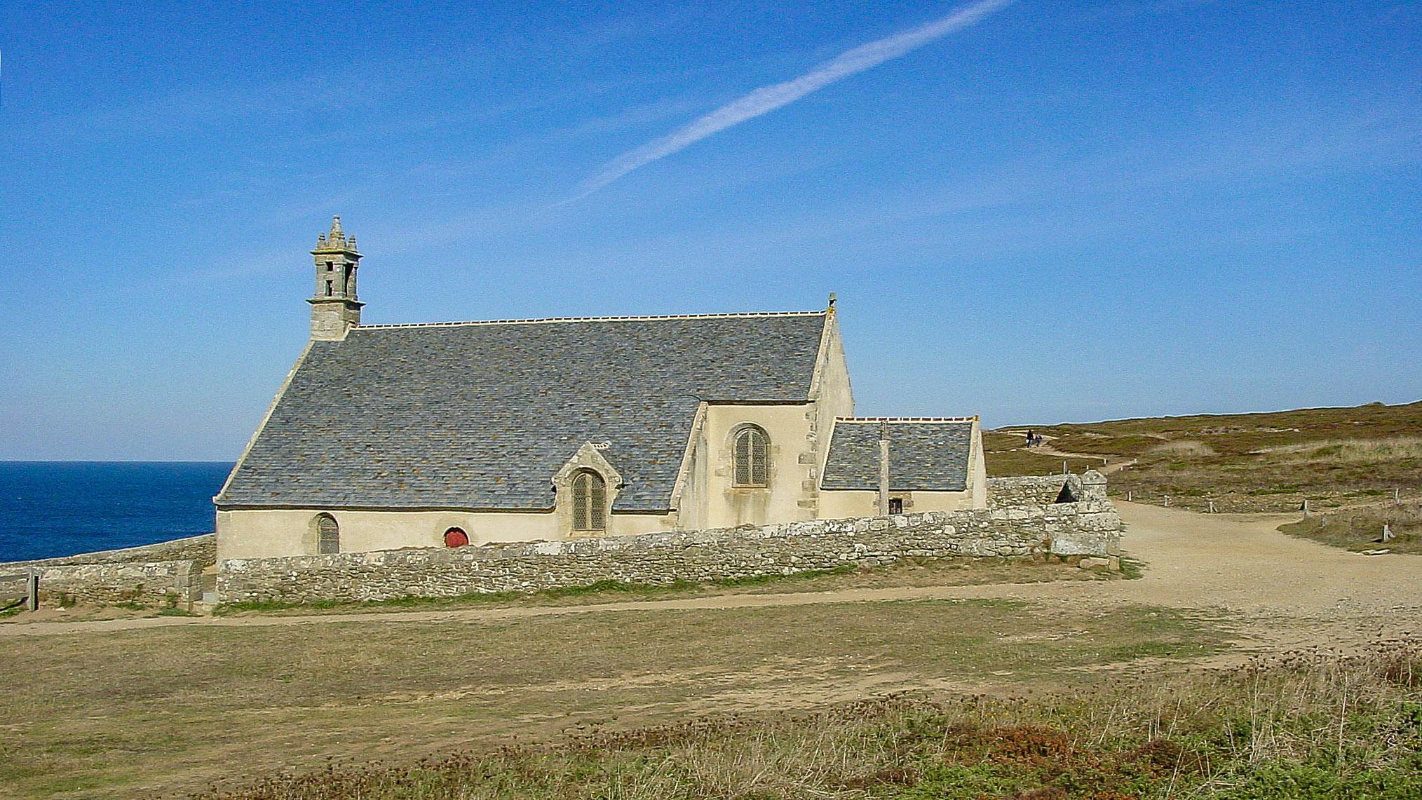 Cornouaille: Die Pointe du Van mit der Chapelle Saint-They. Foto: Hilke Maunder