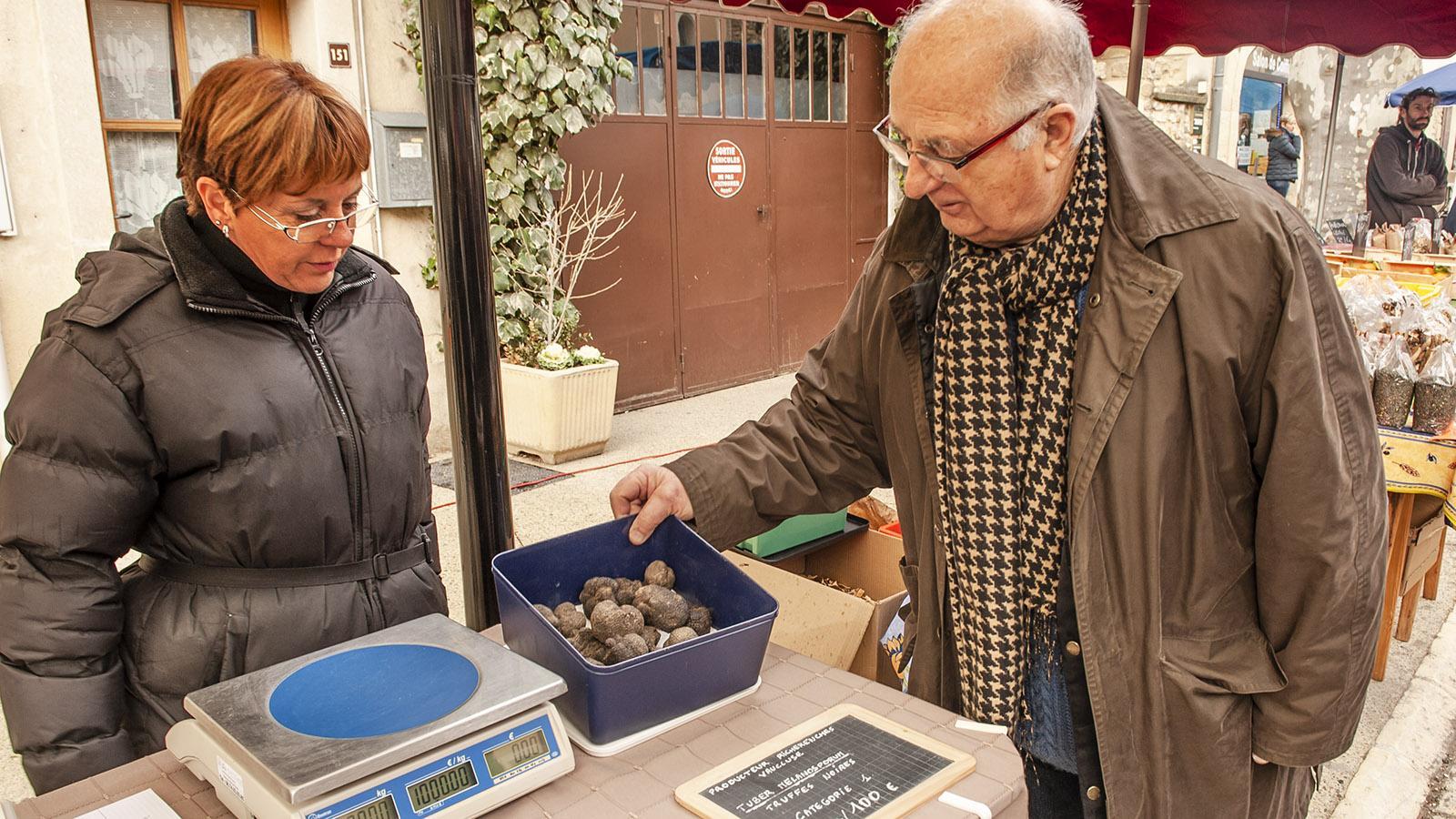 Der Endverbraucher-Trüffelmarkt von Saint-Paul-3-Châteaux. Foto: Hilke Maunder