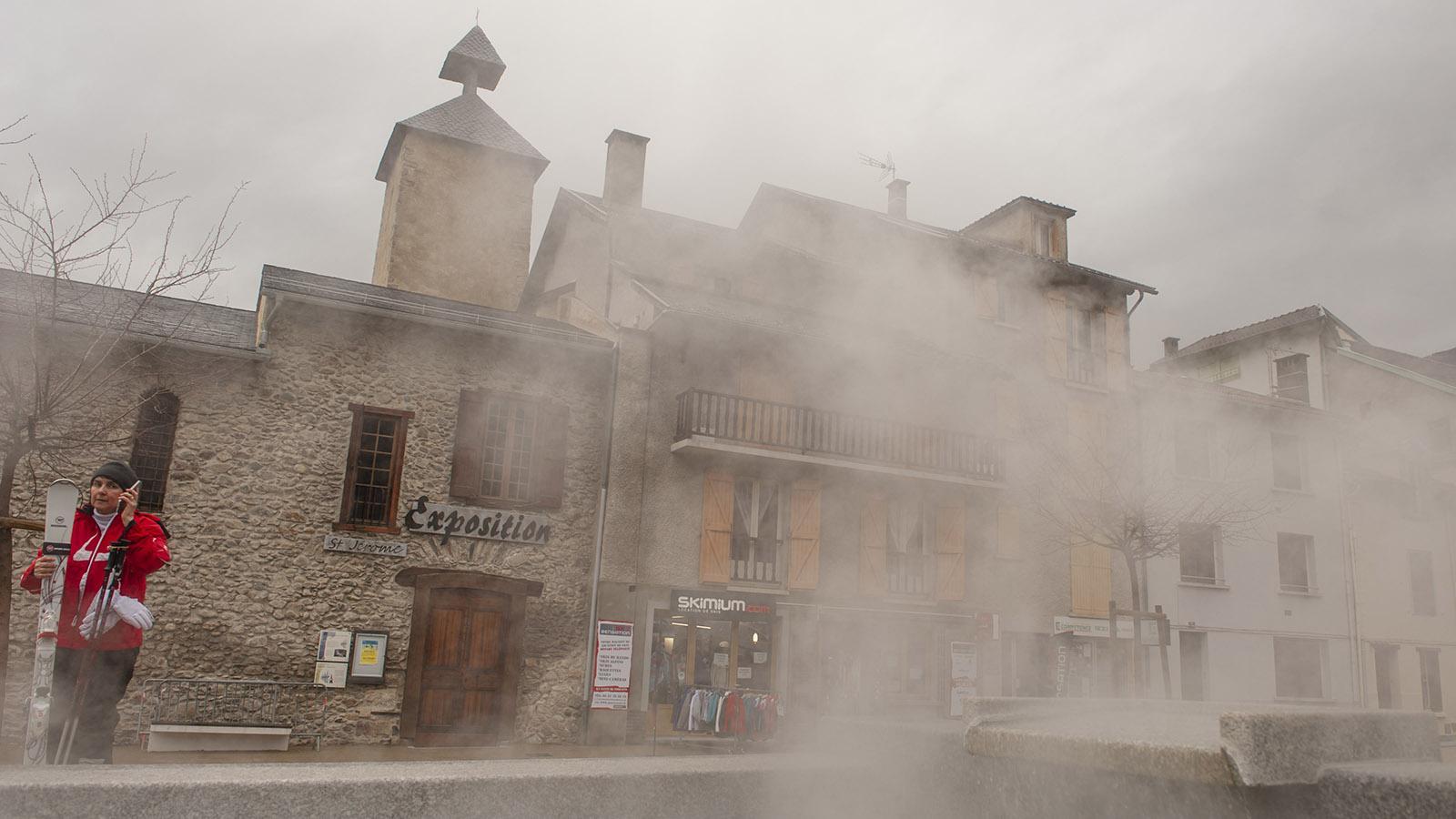Ax-les-Thermes: Überall dampft es in den Brunnen. Foto: Hilke Maunder