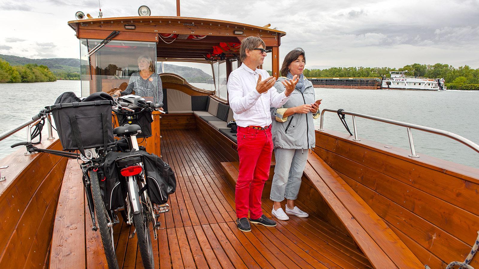 Tournon: Les Canotiers –Bernard Spitz und Véronique Ropp mit Fahrgast. Foto: Hilke Maunder