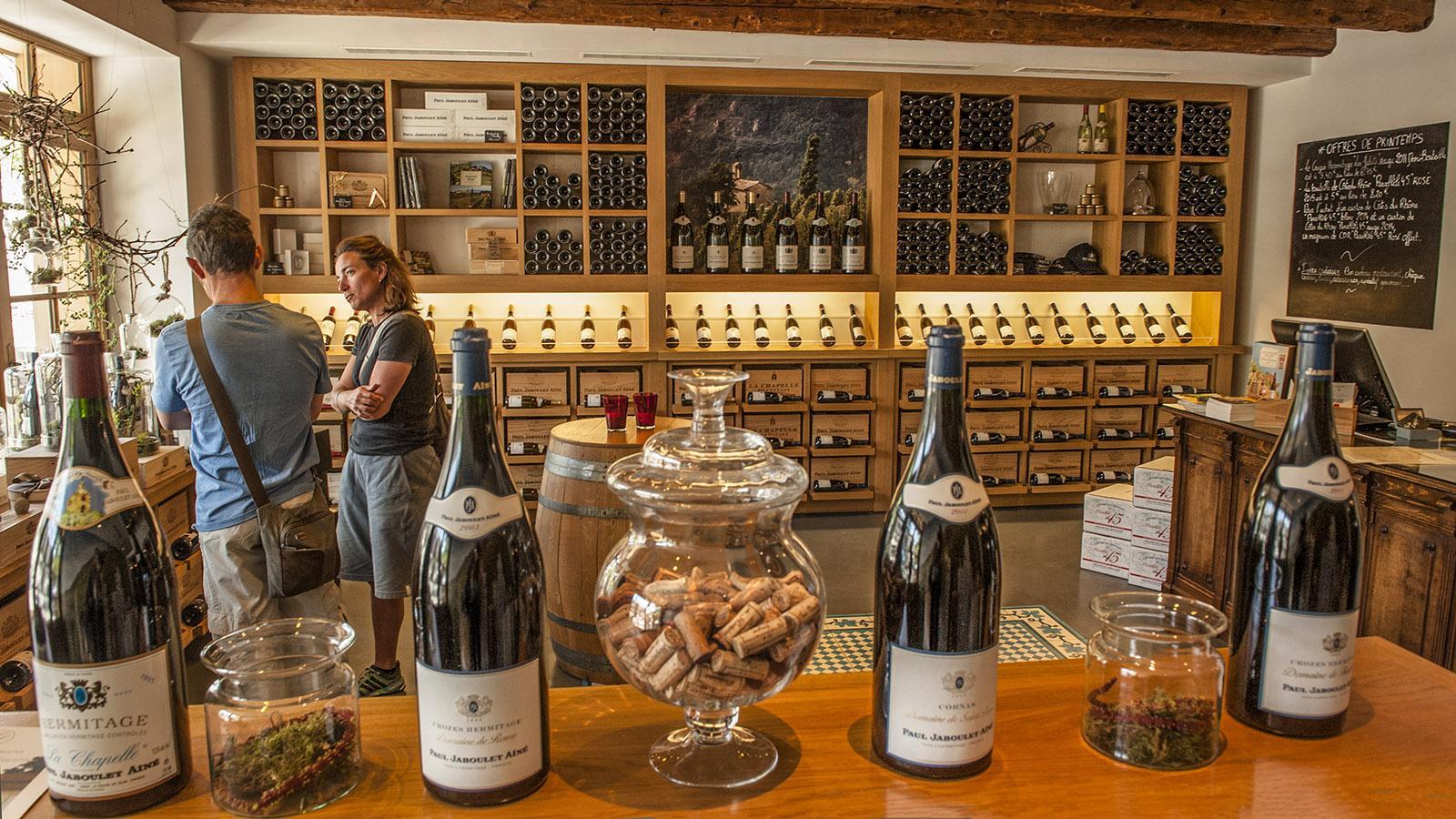 ain-l'Hermitage: Die Weinboutique und Bar von Jaboulet. Foto: Hilke Maunder