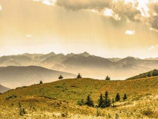 Der Pyrenäen-Hauptkamm vom Col de Pailheres (Ariège) aus. Foto: Hilke Maunder