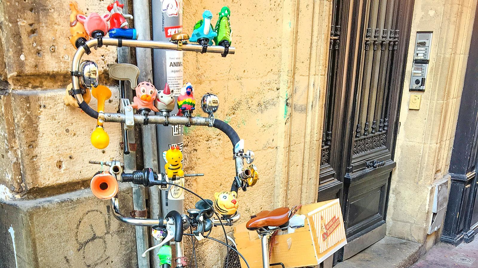 Bordeaux: Bordeaux ist fahrradfreundlich. Und birgt ganz erstaunliche Drahtesel! Foto: Hilke Maunder