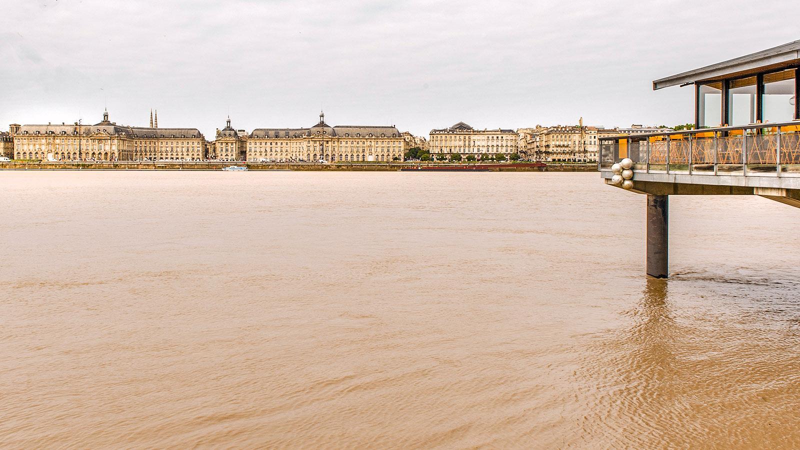 Blick über die Garonne bei Bordeaux. Foto: Hilke Maunder